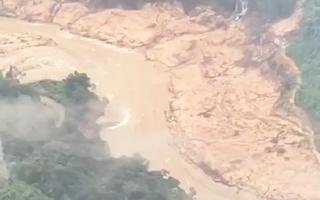 Video: Hiện trường sạt lở kinh hoàng ở Rào Trăng nhìn từ trực thăng