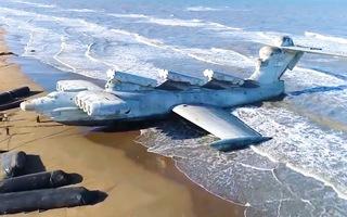 Video: Tàu 'khổng lồ' 400 tấn thời chiến tranh lạnh vừa được phát hiện trên bãi biển