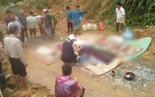 Video: Đã tìm thấy thi thể của 6 người trong cùng một gia đình bị núi lở vùi lấp ở Quảng Trị