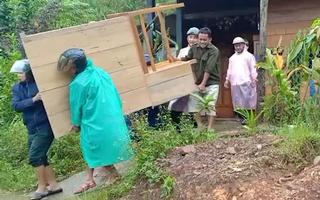 Video: Khẩn cấp di dời hàng ngàn hộ dân ra khỏi vùng sạt lở tại Quảng Nam