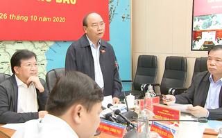 Thủ tướng: Các địa phương ngừng họp không cần thiết để chống bão số 9