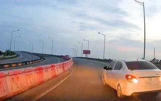 Video: Xe ôtô lại đi lùi trên cao tốc Hà Nội - Hải Phòng