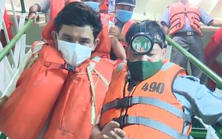 Video: Cứu vớt được 3 ngư dân bị nạn trên Tàu BĐ 97469 TS