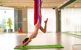 3 động tác yoga dây hiệu quả cho lưng trên và lưng dưới