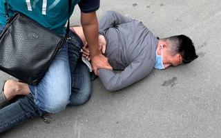 Video: Cảnh sát nổ súng truy đuổi nam thanh niên cướp giật ở quận 10, TP.HCM