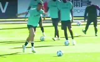 Video: Khoảnh khắc Ronaldo rê bóng đẳng cấp khi trở lại tuyển Bồ Đào Nha
