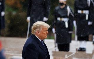 Video: Tổng thống Trump lần đầu xuất hiện trước công chúng sau tin thất cử