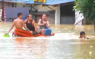 Video: Bão Vamco quét qua Philippines, làm 26 người chết, sức tàn phá kinh hoàng