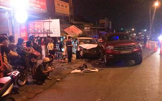Video: Tài xế ôtô có biểu hiện say rượu, lao xe lên vỉa hè làm nhiều người bị thương