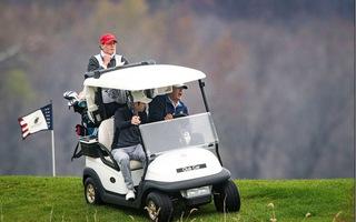 Video: Ông Trump vui vẻ lái xe trên đồi cỏ, chơi golf vào hai ngày cuối tuần