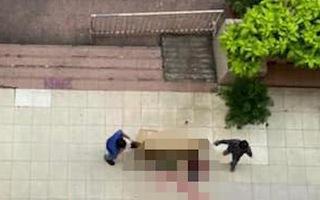 Video: Người phụ nữ nghi 'bị rơi' từ cao ốc quận 10, tử vong tại chỗ