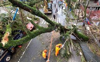 Video: Philippines ngập lụt và hoang tàn sau siêu bão Goni