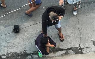 Video: Cô giáo bị cướp giật túi xách trên đường đi dự lễ 20-11