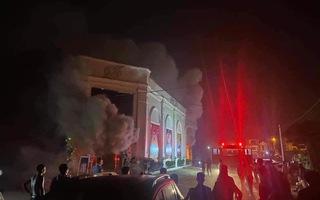 Video: Cháy lớn ở quán bar Vĩnh Phúc khiến 3 cô gái tử vong