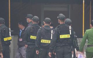 Video: An ninh thắt chặt tại phiên tòa xử kín cựu chủ tịch Hà Nội Nguyễn Đức Chung