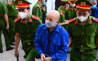 Video: Ông Đinh La Thăng, Út 'trọc' được dẫn giải tới phiên tòa liên quan đến sai phạm tại cao tốc TP.HCM - Trung Lương