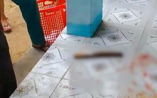 Video: Cô giáo dùng dao chém đồng nghiệp trong giờ làm việc