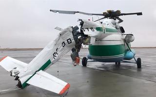 Video: Trực thăng bị gãy đuôi sau khi va vào cột đèn