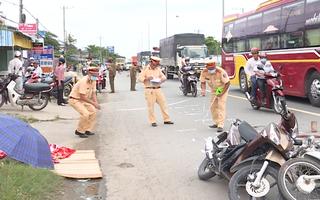 Video: Trên đường về quê nữ sinh bị xe tải cán tử vong