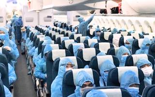 Video: Tiếp viên Vietnam Airlines đang trong thời gian tự cách ly nhưng vẫn đi học