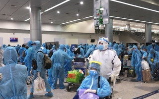 Video: Dừng các chuyến bay thương mại đón khách về Việt Nam