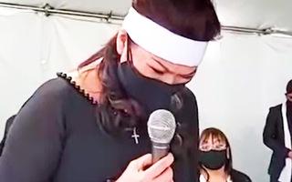 Video: Vợ cố nghệ sĩ Chí Tài nghẹn ngào trong nước mắt, hát bài hát cuối cùng tiễn biệt chồng