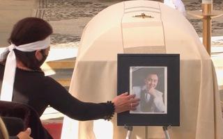 Video: Giây phút tiễn biệt nghệ sĩ Chí Tài về nơi an nghỉ cuối cùng