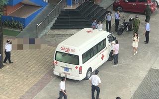 Video: Nam thanh niên nghi rơi lầu tử vong trong Trường Đại học Thủ Dầu Một
