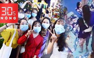 Bản tin 30s Nóng: Cô giáo tung mền, xốc nách trẻ mầm non ở Hà Nội; Chơi Noel, đừng quên COVID-19