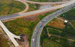 Video: Thông tuyến cao tốc Trung Lương - Mỹ Thuận, phục vụ đi lại của người dân trong dịp tết 2021