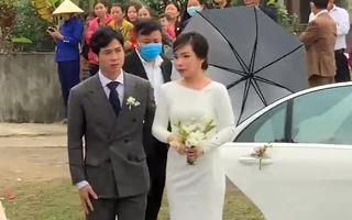 Video: Công Phượng đón cô dâu Viên Minh bằng siêu xe tại quê nhà