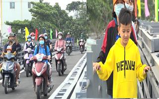 Video: Thông xe cầu An Phú Đông, người dân hết cảnh 'qua sông lụy đò'