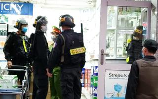 Video: Công an kiểm tra hệ thống nhà thuốc lớn nhất Đồng Nai