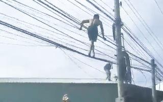 Video: Vây bắt tên trộm leo lên dây điện để tẩu thoát