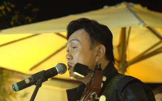Video: Bài hát cuối cùng của nghệ sĩ Chí Tài khiến khán giả rơi nước mắt