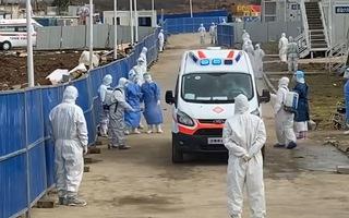 Video: Quy trình tiếp nhận bệnh nhân nhiễm corona vào bệnh viện dã chiến ở Vũ Hán