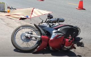 Video: Xe tải cán hai mẹ con đi xe máy rồi bỏ chạy