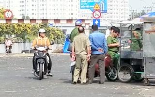 Video: Mâu thuẫn trong lúc bán bánh mì, 1 người bị chém trọng thương