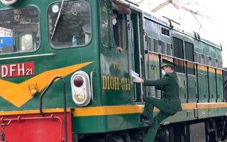 Video: Chuyến tàu hàng liên vận quốc tế Việt - Trung đầu tiên thông thương trong dịch corona
