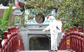 Video: Hà Nội phun khử trùng hàng loạt di tích lịch sử trong thành phố