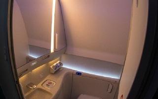 Video: Nghi vấn nhà vệ sinh trên máy bay VN0054 có thể là nơi lây lan virus COVID-19