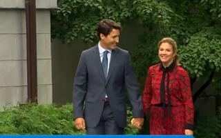 Video: Vợ Thủ tướng Canada đã dự sự kiện có hàng chục ngàn người tham dự ở Anh