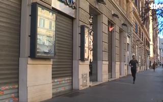 Video: Tây Ban Nha 'cửa đóng then cài', đường phố vắng hoe, phu nhân Thủ tướng nhiễm COVID-19