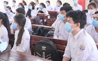 Video: Hàng trăm học sinh nghỉ học trong ngày đầu đi học trở lại ở Bình Phước