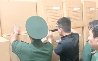 Video: Tạm giữ hơn 200.000 khẩu trang không nhãn mác