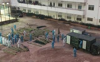 Video: Xây dựng bệnh viện dã chiến tại Bạch Mai để ứng phó tình huống xấu nhất