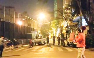 Video: Phong tỏa đường ở Hà Nội vì ca dương tính với COVID-19
