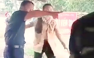 Video: Phó chủ tịch HĐND huyện đập bàn, to tiếng tại chốt kiểm dịch COVID-19