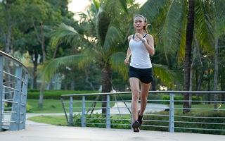 Á hậu Mâu Thủy nói về bí quyết giảm cân, xả stress đơn giản