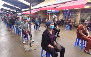 Video: Xét nghiệm nhanh COVID-19 tại các chợ đầu mối ở Hà Nội
